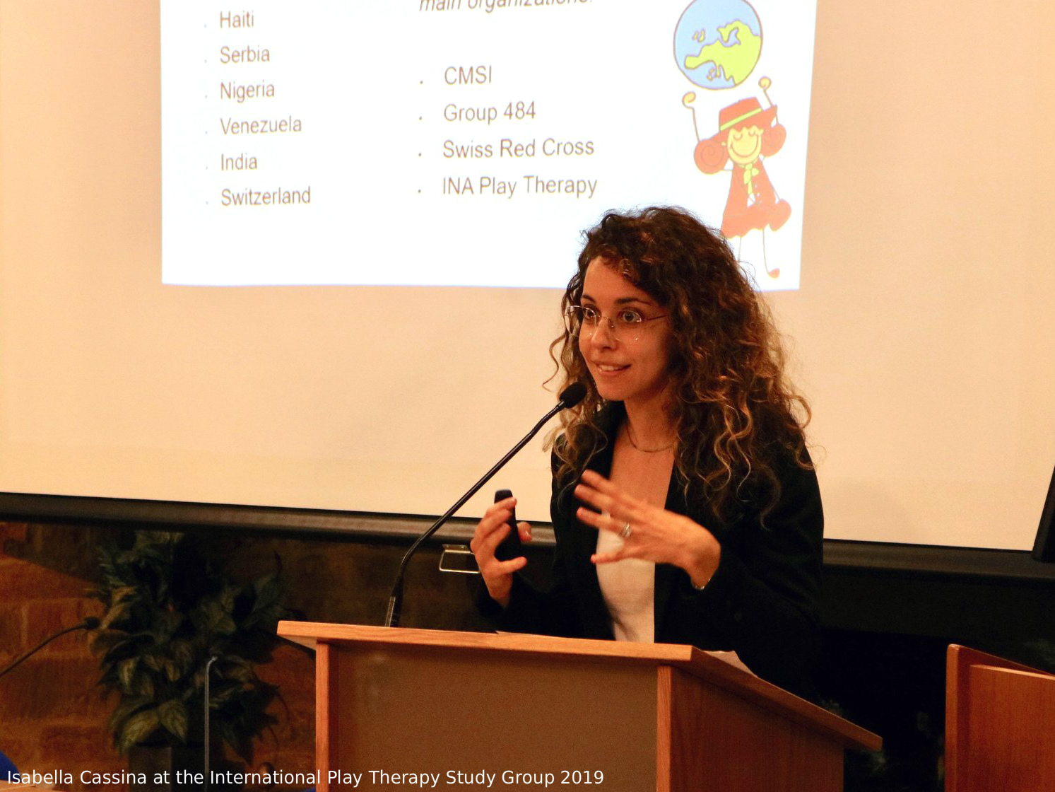 isabella cassina presenta all'international play therapy study group di charles schaefer